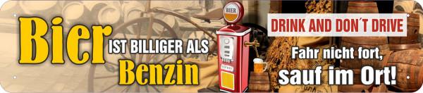 Straßenschild Bier ist billiger als Benzin